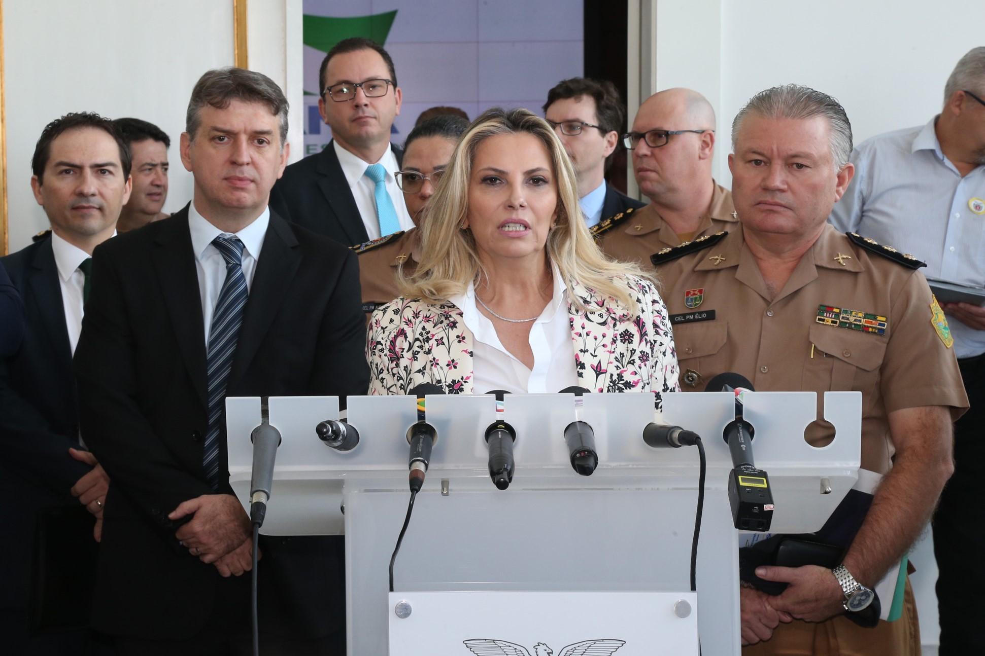 Cida confirma criação de secretaria especial de administração das penitenciárias do PR