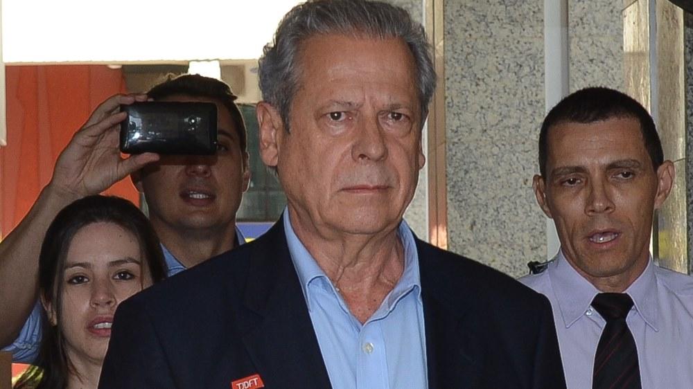 Acuado, Zé Dirceu já recorre ao Supremo para evitar prisão da Lava Jato