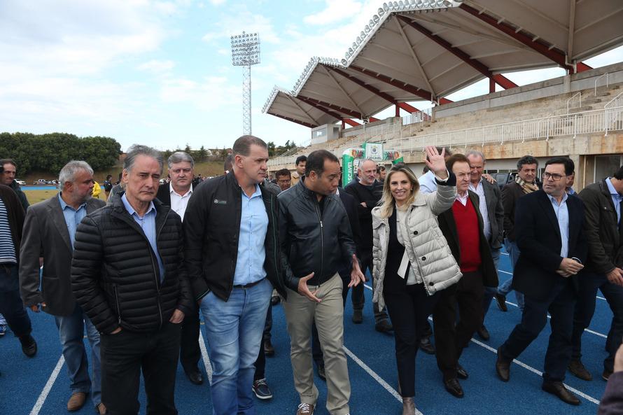 Cida anuncia R$ 1 milhão para complexo esportivo em Cascavel