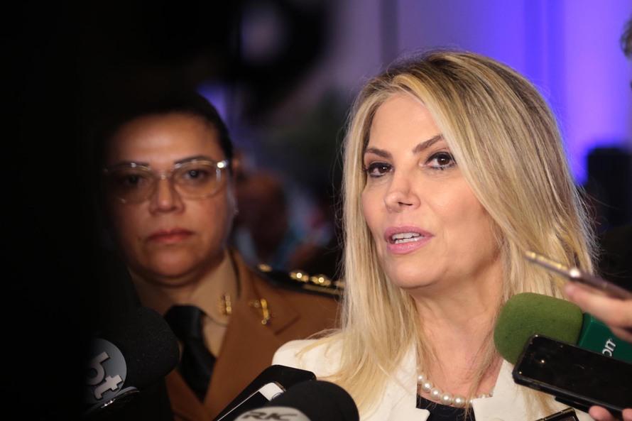 Cida autoriza R$ 16,5 milhões para obras em mais 33 cidades