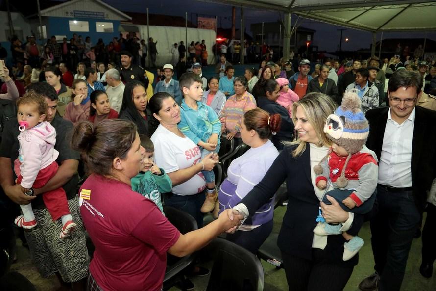 Cida regulariza imóveis de 1.608 famílias e anuncia mais 177 casas para Imbituva