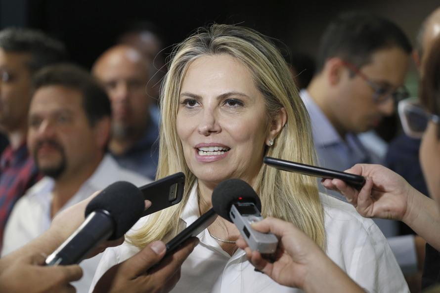 Cida anuncia sede do Corpo de Bombeiros em Jaguariaíva