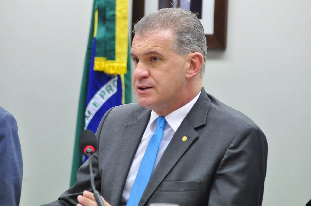 """Evandro Roman defende """"carta dos prefeitos"""" que prevê mais recursos para áreas de saúde e segurança"""