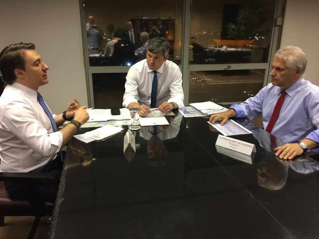Giacobo anuncia obras estratégias para Foz do Iguaçu e Cascavel