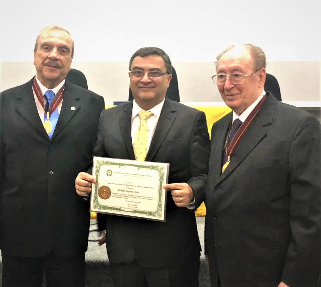 Michele Caputo recebe importante honraria farmacêutica