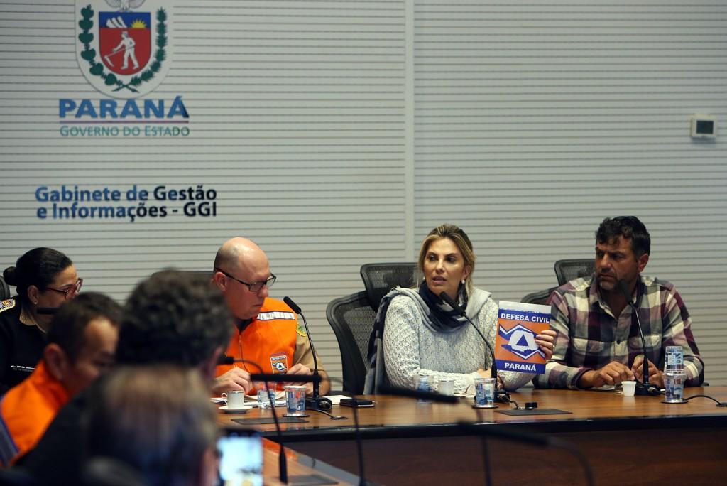 Após acordo, prioridade é reabastecer postos do interior do Paraná