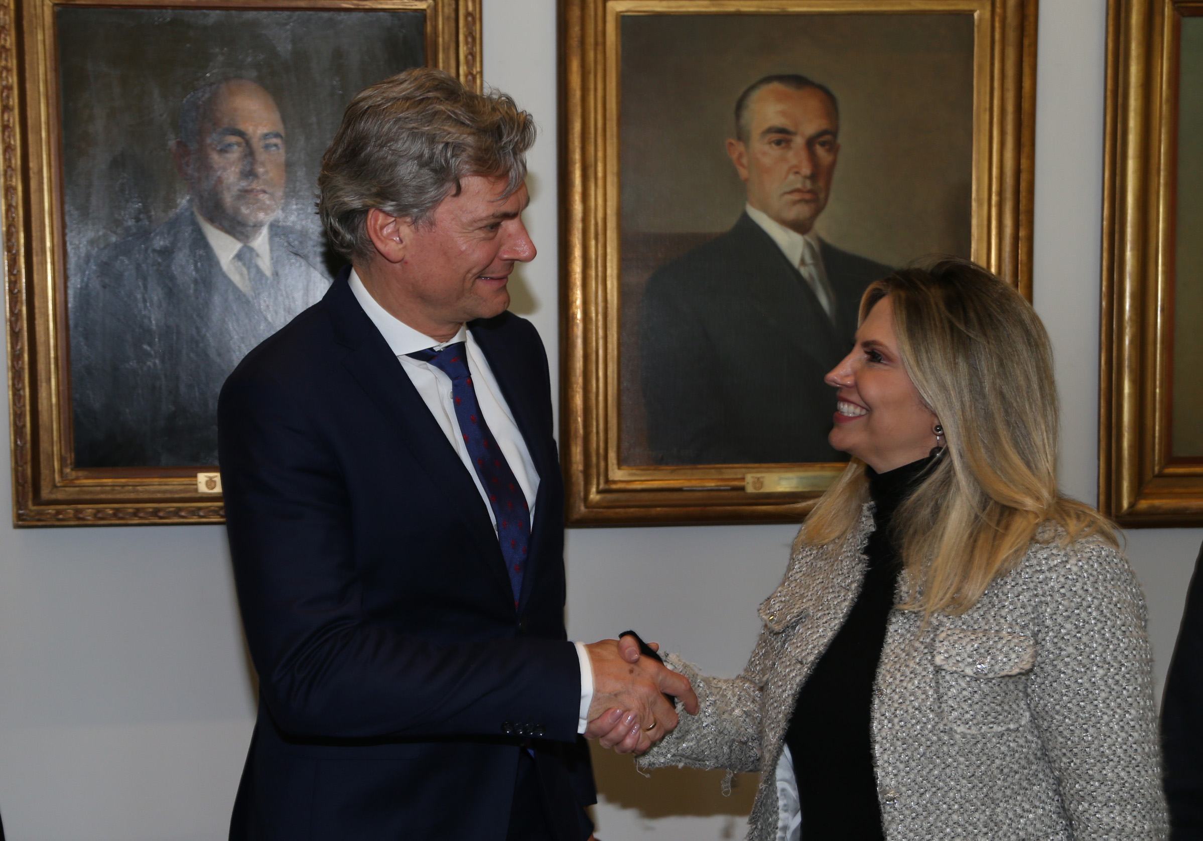 Cida recebe presidente da Audi