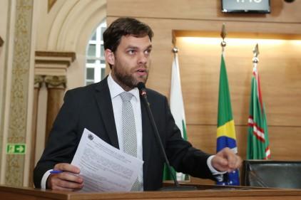 Vereador acusa colega de manipular vídeo sobre votação