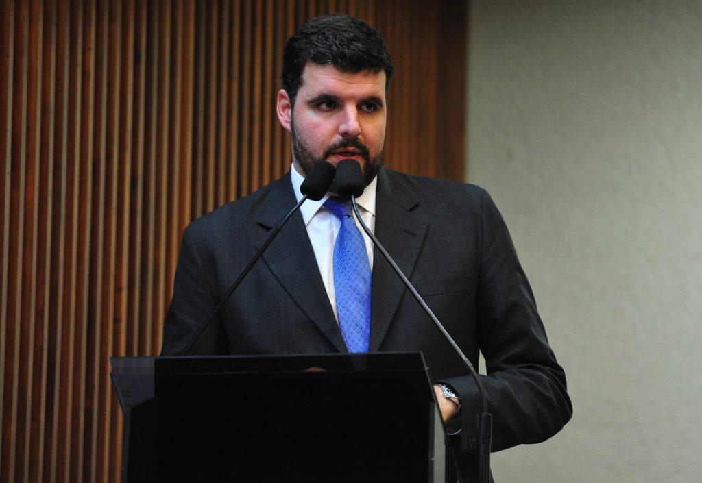 Vamos acelerar obras nos municípios, afirma Pedro Lupion