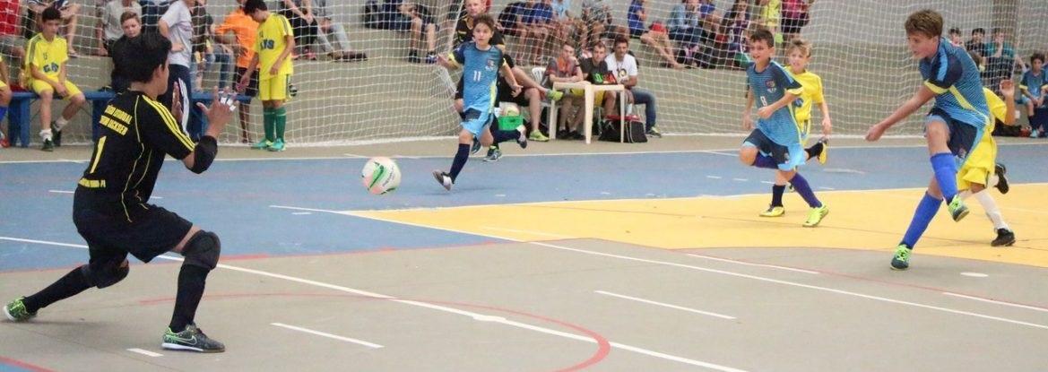 Projeto Futsal Lindeiro promove reunião de avaliação técnica em Foz do  Iguaçu 6beacc145fc47