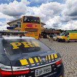 Turistas ficam feridos depois de assalto violento em estrada do Paraná