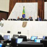 Deputados aprovam auxílio mensal de R$ 50 para compra de alimentos por pessoas de baixa renda no Paraná