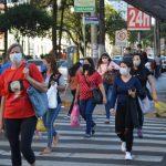 Brasil volta a ser 3° país com mais casos de covid-19 no mundo